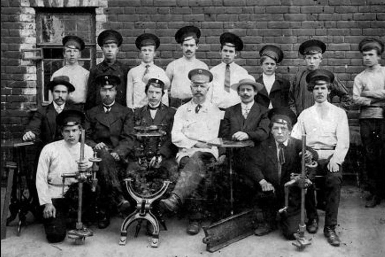 Преподаватели и выпускники ставропольской ремесленной школы, 1912