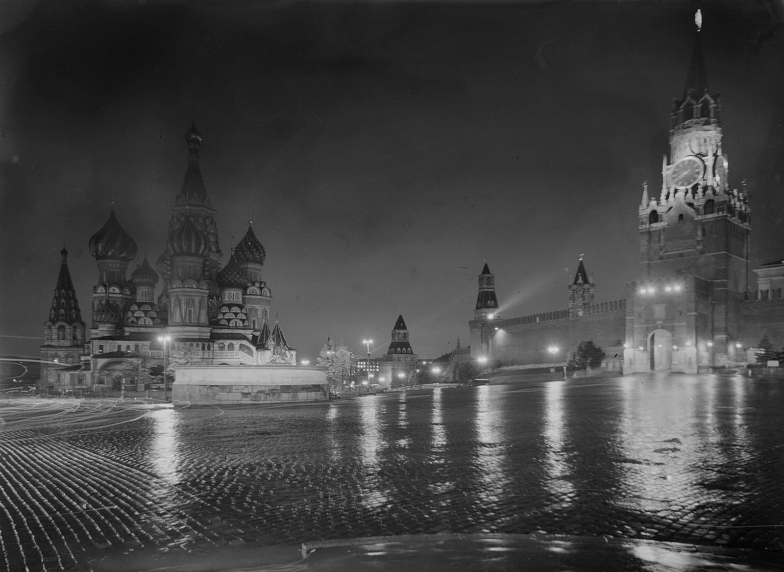 Красная площадь с храмом Василия Блаженного