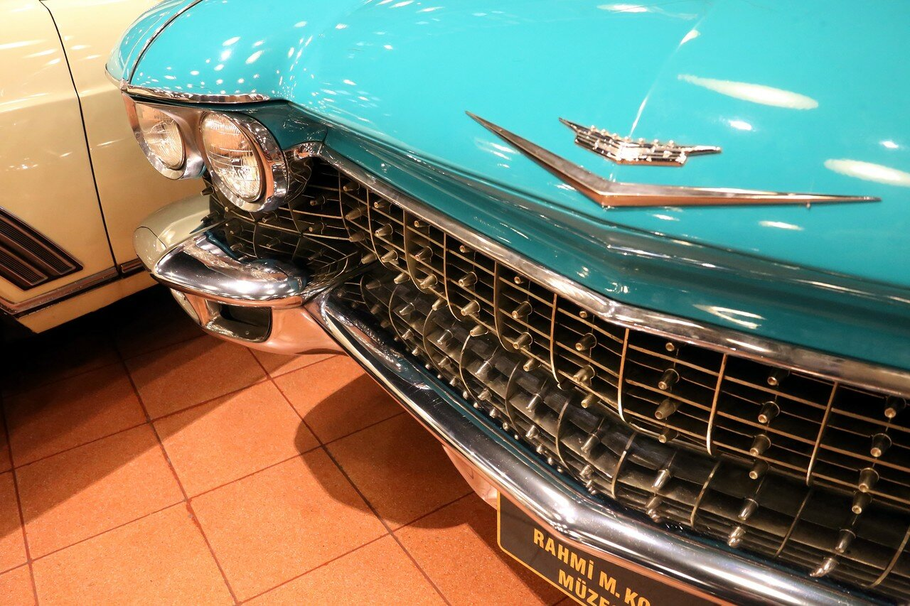 Стамбул. Музей Рахими Коча. Cadillac DeVille Sedan 1960