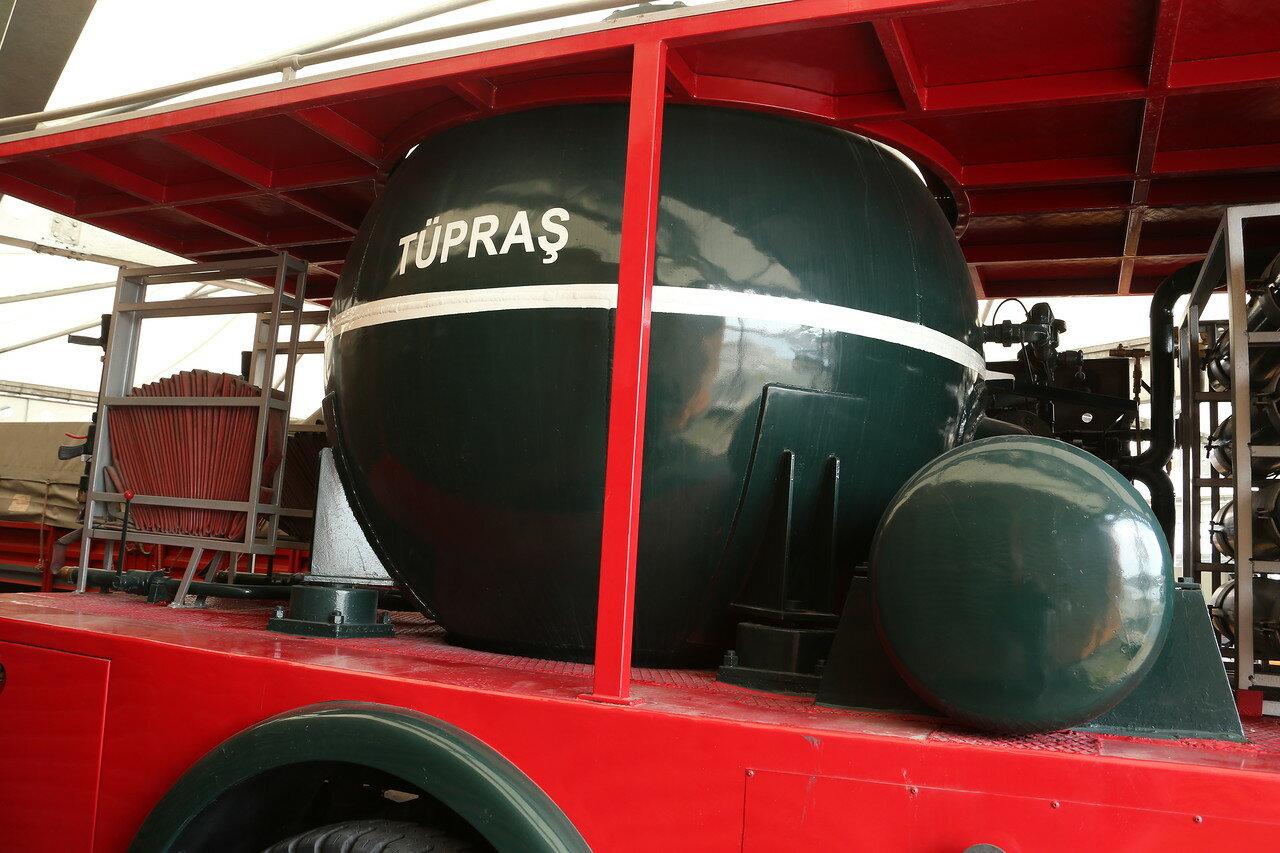Стамбул. Музей Рахими Коча. Автомобиль пенного тушения на шасси FIAT, конец 60-х