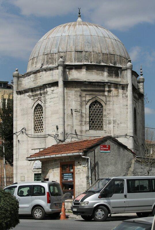 Стамбул. Мавзолей Ахмет-Паши (Gazi Ahmet Paşa Türbesi)