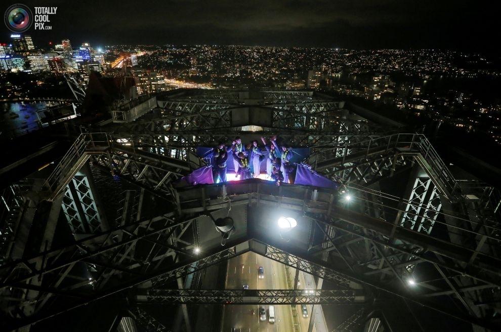 Грандиозный фестиваль света Sydney Vivid в Сиднее (18 фото)