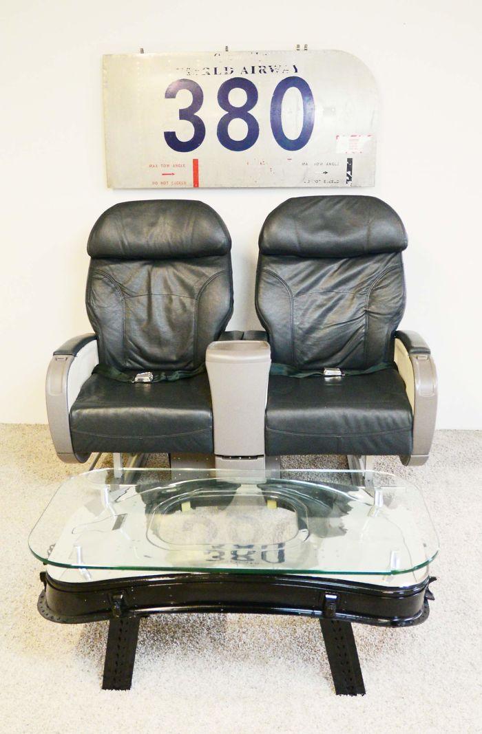 Кресла из первого класса самолета Boeing 757.