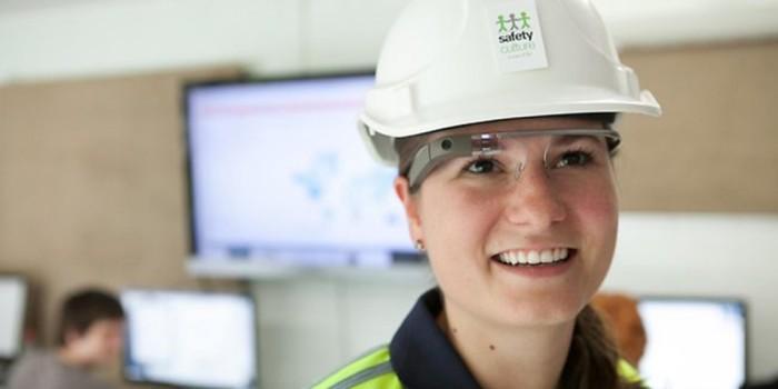 Исключительно для рабочих. Ранее уже сообщалось о том, что Google Glass EE не выйдут на потребительс