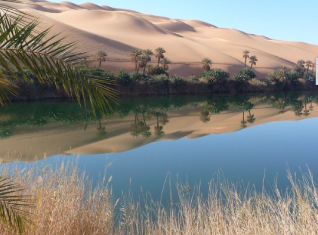 © Pixabay  Самое странное вэтом озере— это его внезапное появление посреди сухой пустыни. Уч