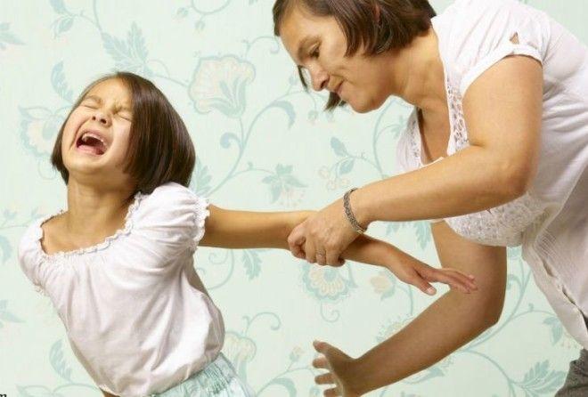 Насилие считается одной из самых острых проблем в воспитании. Но некоторые родители считают, что есл