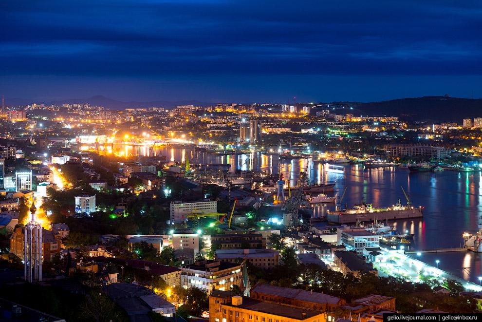 28. «Разворотное кольцо на Фуникулёре». Так во Владивостоке называют перекрёсток с круговым движение
