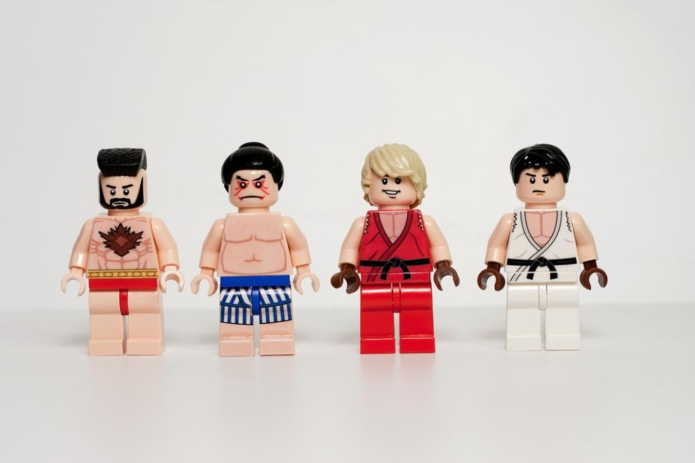 Удивительные и забавные поделки из Lego