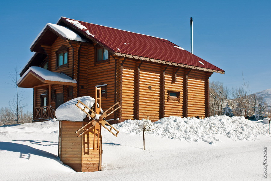 Winter_Home_Club8_zpsc0ac8a00.JPG