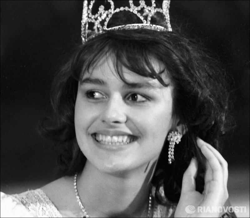 фото королевы в советские времена указывает