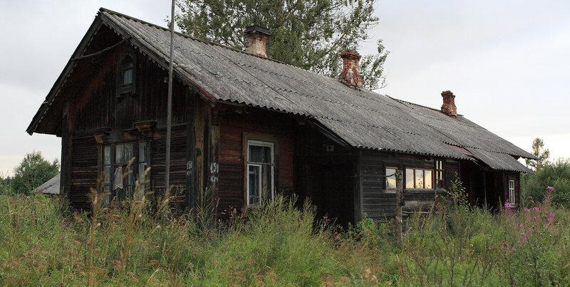 Дом на две квартиры