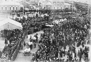 1918. Похороны жертв большевистского террора в Омске