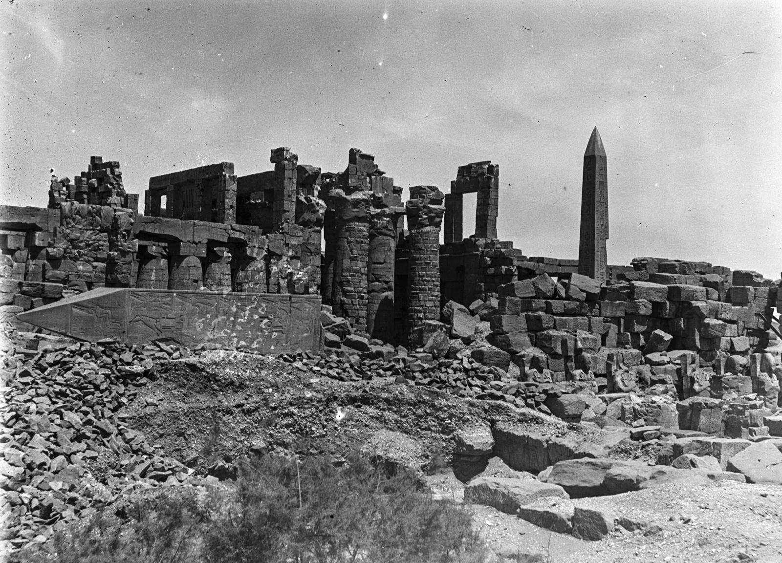 Карнак. Руины храмового комплекса