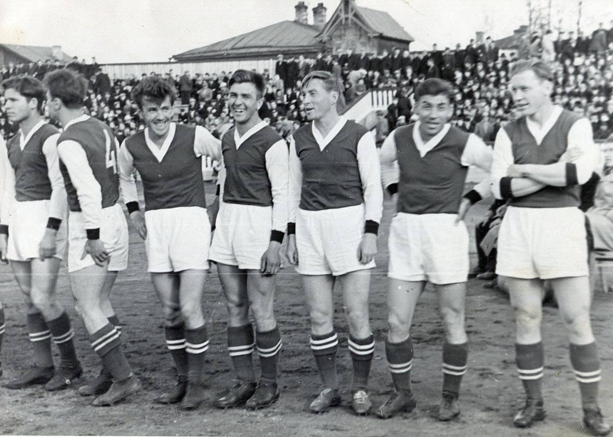 1960. Перед игрой с Уралмашем