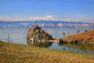 Мыс Бурхан и белые горы