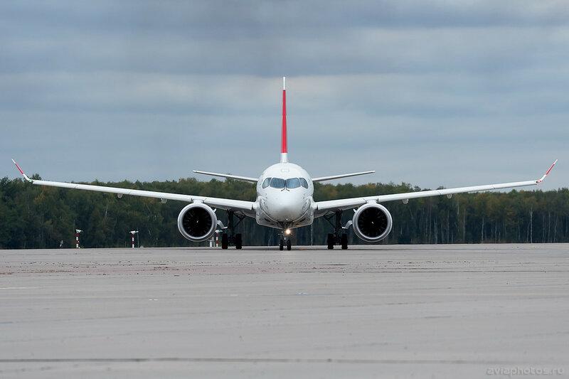 Bombardier CSeries CS100 (HB-JBE) Swiss 0048_D706480