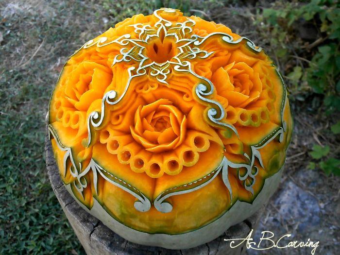 15-Alternative-Halloween-Pumpkins-carved-by-master-Angel-Boraliev-59ed98b97526b__700.jpg
