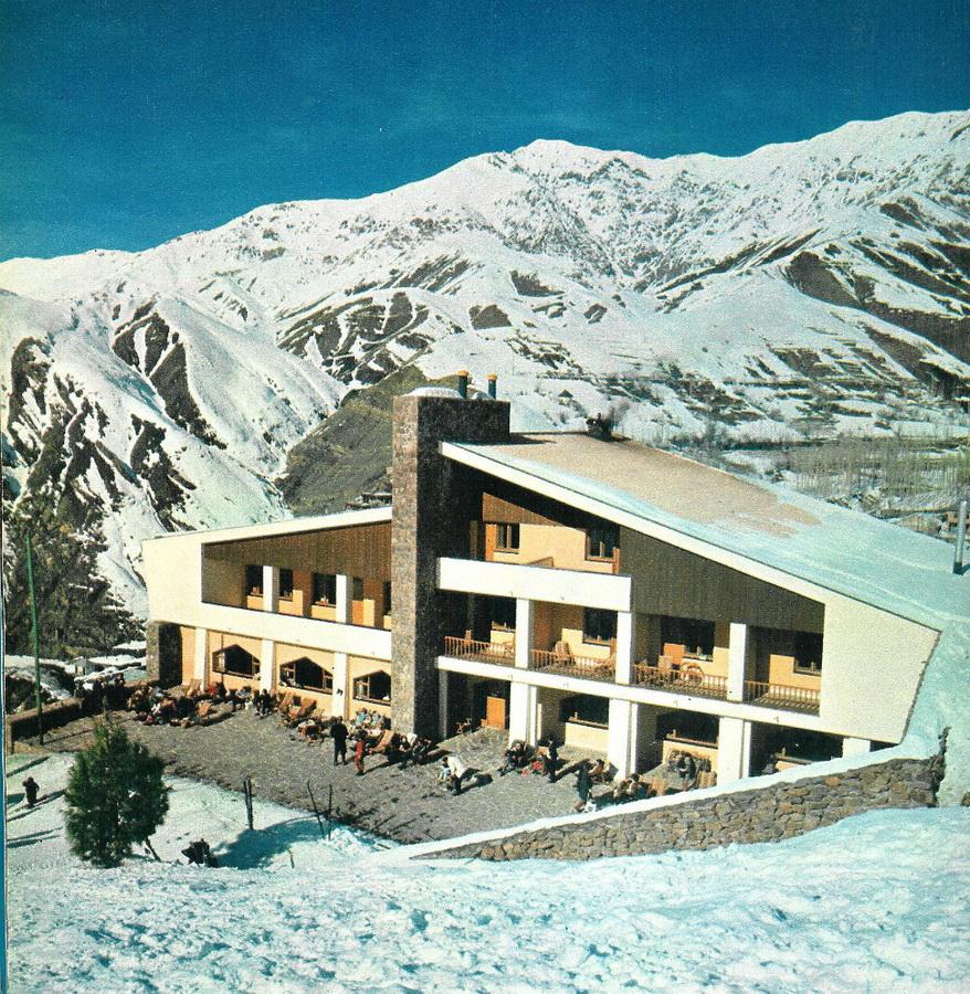 13. Горнолыжный курорт Шемшак в 1971 году. Courtesy of Kaveh Farrokh