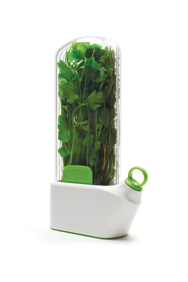 6. Если вы часто используете пряные травы, приобретите устройство Herb Savor, оно продлит свежесть н