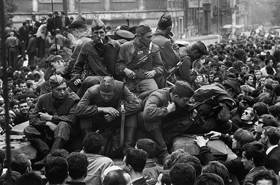 32. Так, что же это за «оккупанты», которые жертвовали своей жизнью, чтобы не погибли мирные граждан