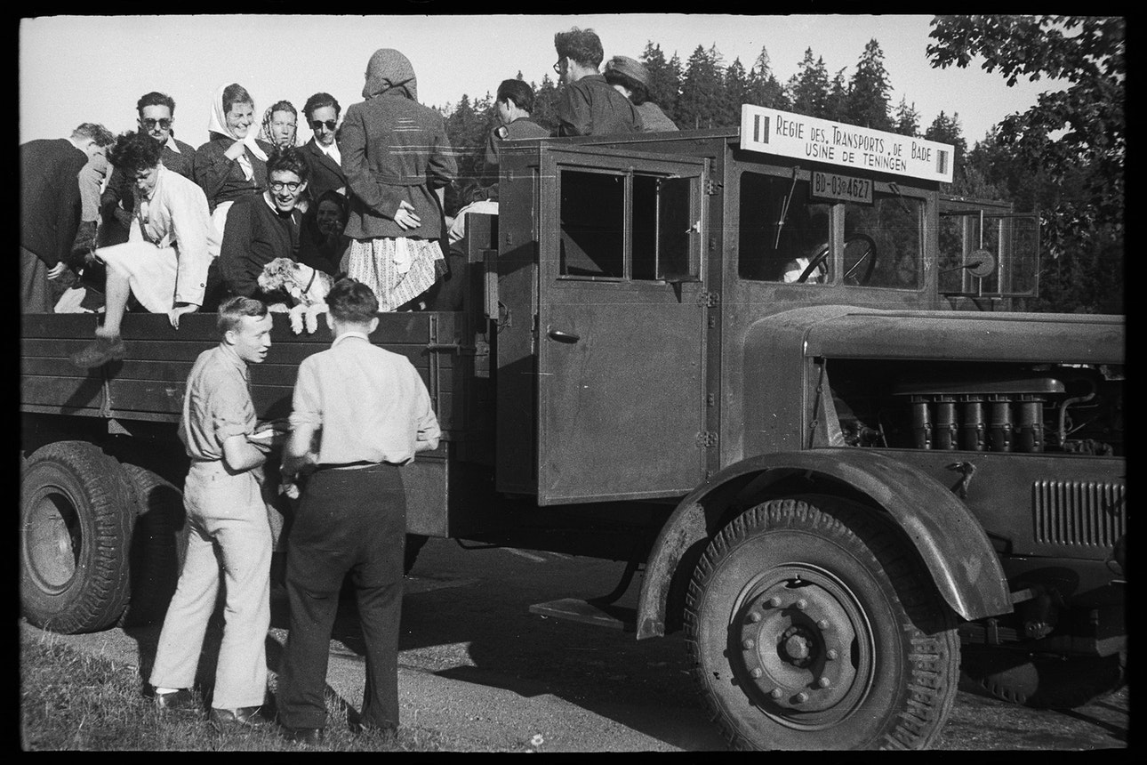 Во время поездки на пассажирском транспорте. Германия (территория Австрии после аншлюса), 19