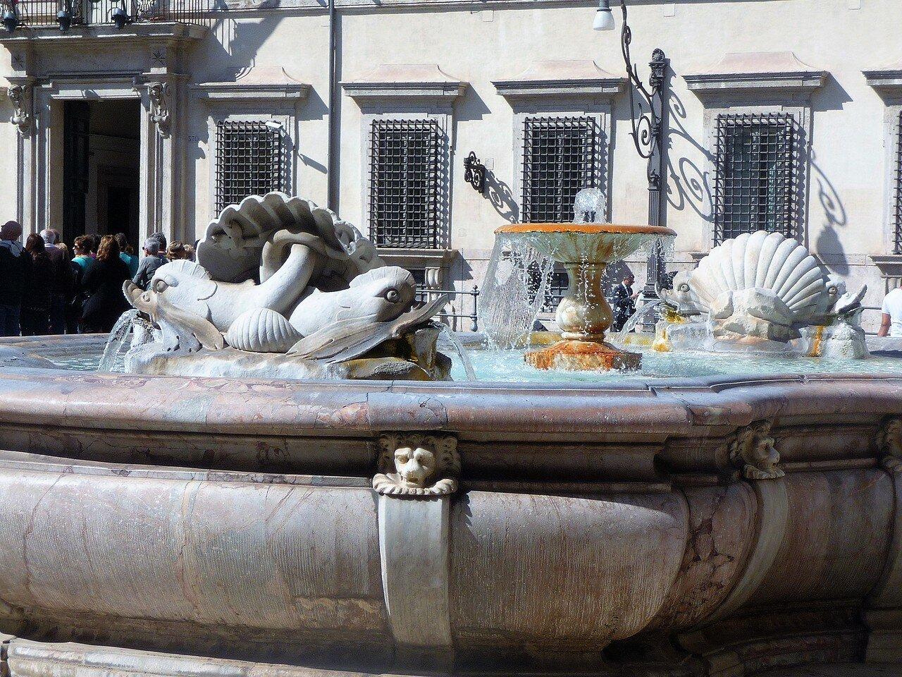 Fontana di piazza Colonna (3).