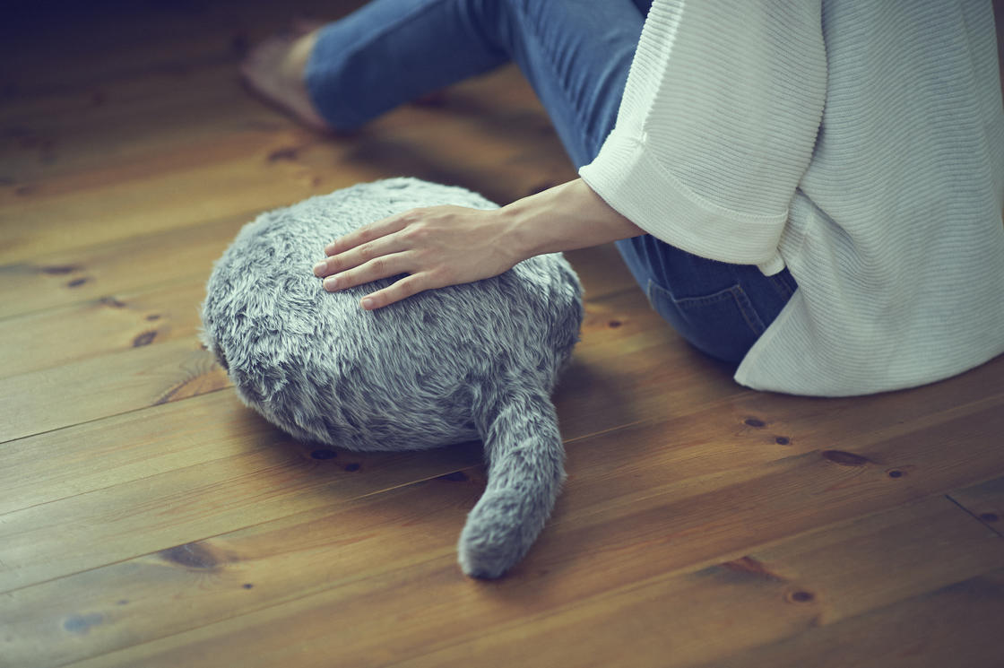 Qoobo – This robot cushion wags its tail like a cat! (8 pics)
