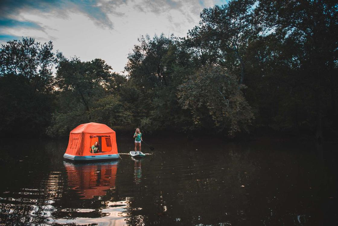 Water Tent – A floating tent to sleep in the middle of a lake!