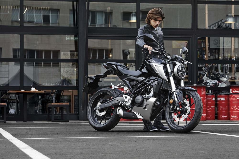 EICMA 2017: нейкеды Honda CB125R 2018 и Honda CB300R 2018