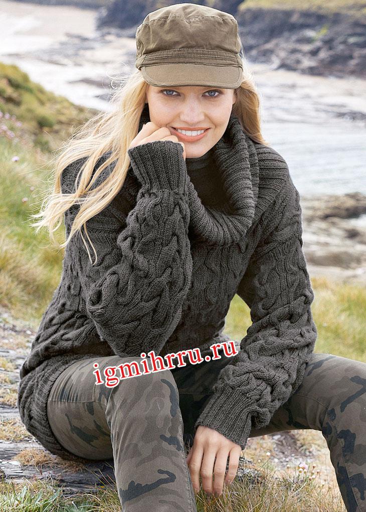 Темно-серый теплый свитер с крупными косами. Вязание спицами