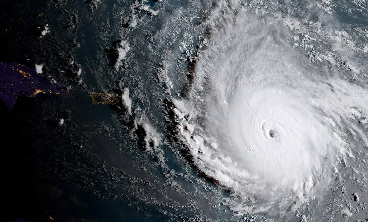 Сначала посмотрим на один из самых пострадавших островов — Сен-Мартен, который расположен расположен