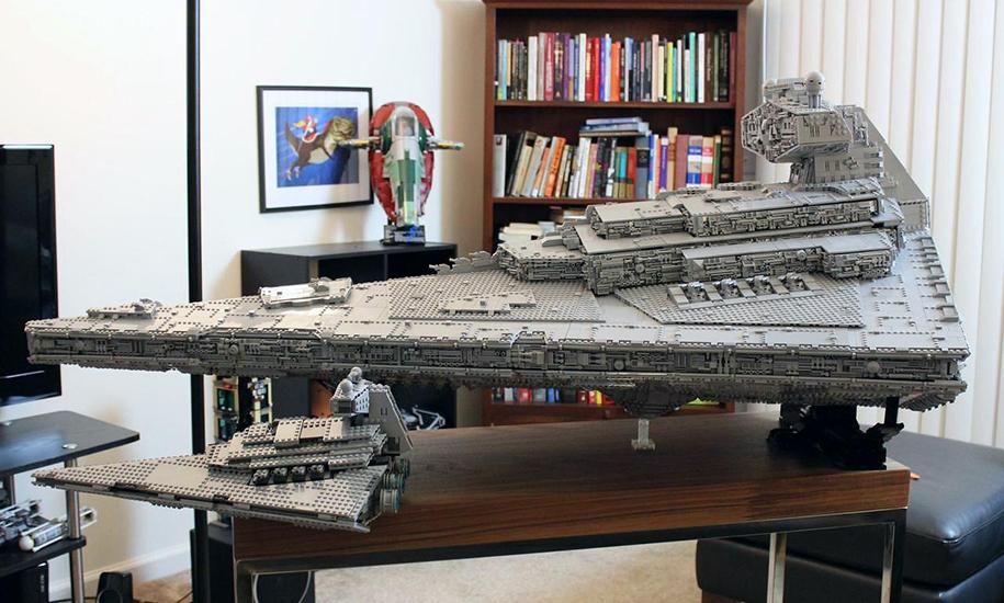 """Фанат """"Звёздных войн"""" построил из LEGO почти полутораметровый макет крейсера (13 фото)"""