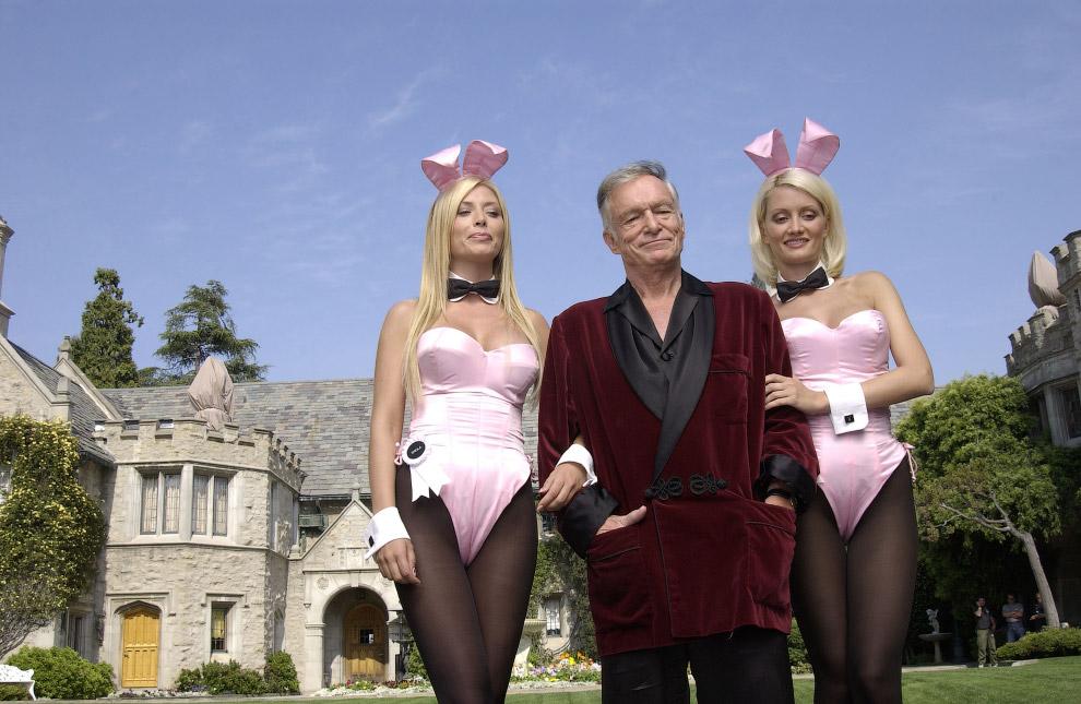 25. Хью в своем имении Playboy Mansion , 2007 г.