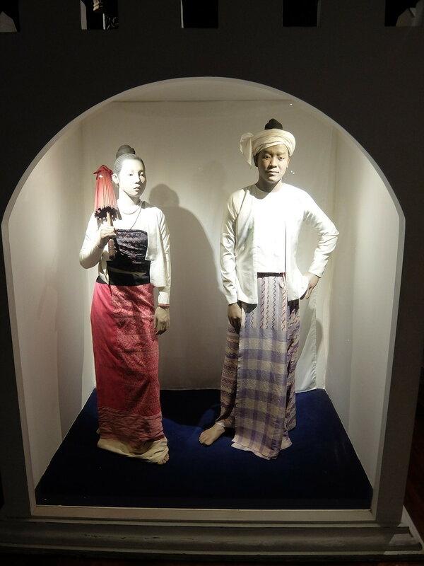 Чиангмай - Исторический центр - Скульптуры
