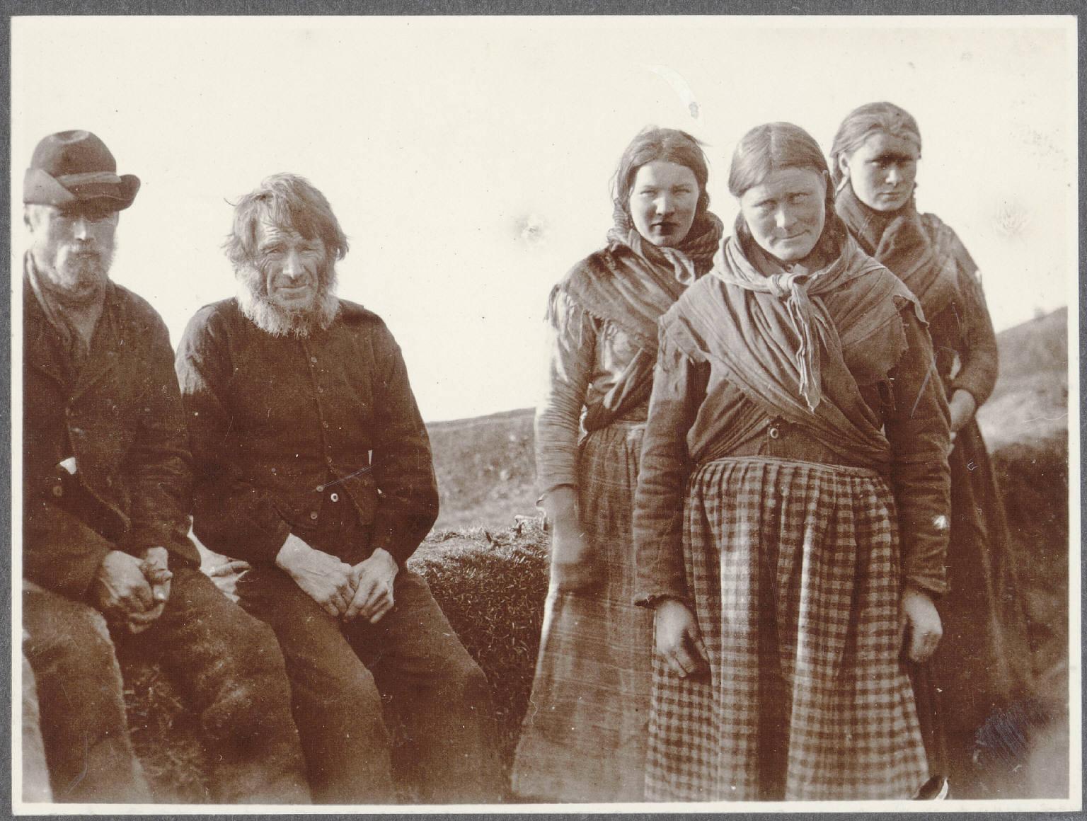 Семья в Холте, недалеко от Киркюбер