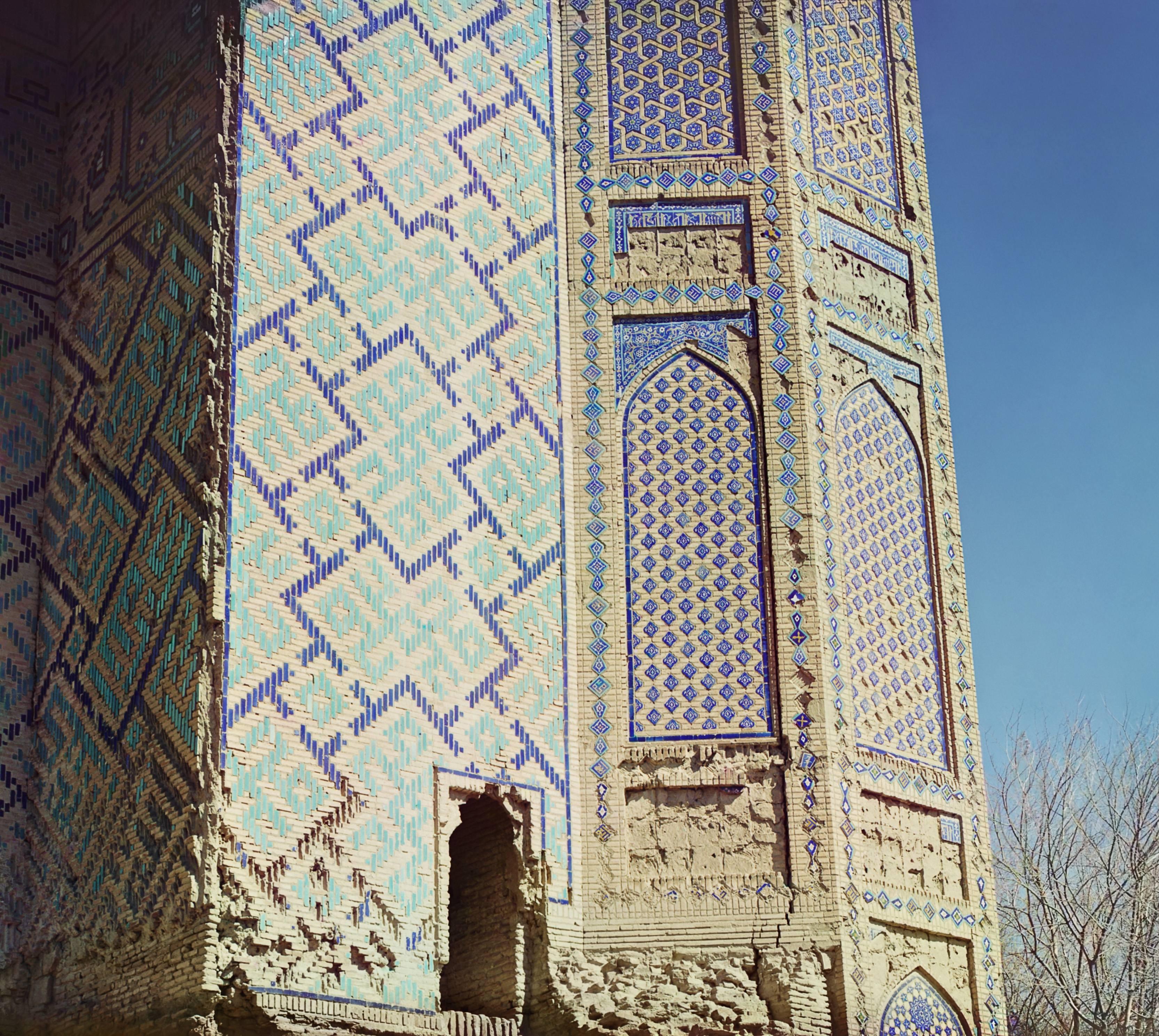 Мечеть Биби-Ханым. Часть левого минарета