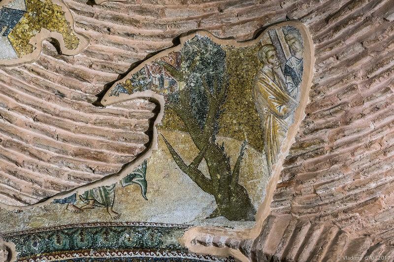 Иисус, призывающий Закхея спуститься со смоковницы. Мозаики и фрески монастыря Хора. Церковь Христа Спасителя в Полях.