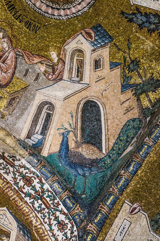 Ласкание Богородицы. Павлин. Мозаики и фрески монастыря Хора. Церковь Христа Спасителя в Полях.