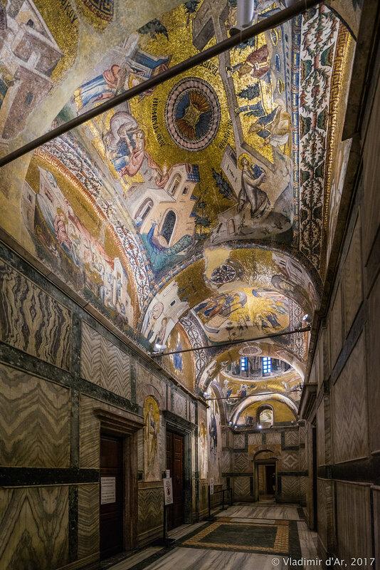 Мозаики и фрески монастыря Хора. Церковь Христа Спасителя в Полях. Нартекс.