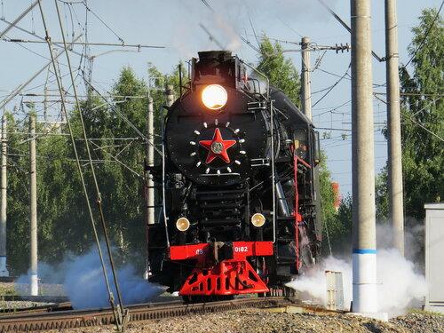 паровоз ЛВ-0182 _140
