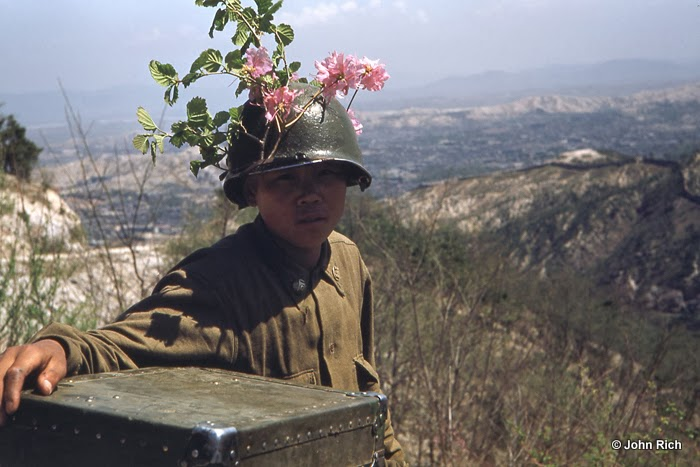 Color Photographs of Korean War in the 1950's (6).jpg