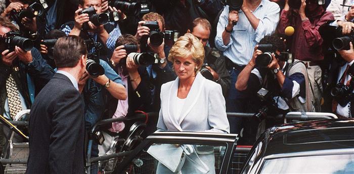 Суд, который проходил во Франции, вынес решение, что фотографии обнаженной Кейт стали вмешательством