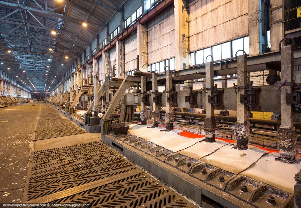 Чистота сверхчистого металла  — 99.996%. Он используется в производстве компь