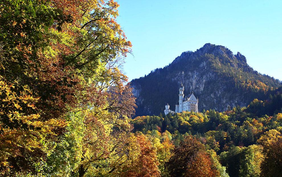 Осеннее озеро Сильвенштайн, Бавария. (Фото Reuters | Michael Dalder):