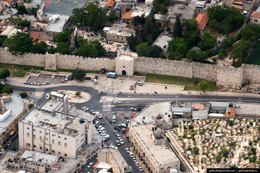 23. Древнее еврейское кладбище — самое древнее кладбище в мире. Его история восходит к эпохе Первого