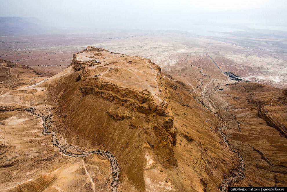 49. На побережье Мёртвого моря расположена самая низкая часть суши на Земле — минус 416 метров от ур
