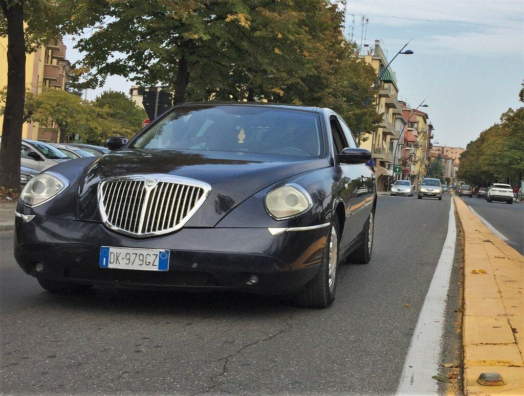 Lancia-Thesis-IMG_8962.JPG