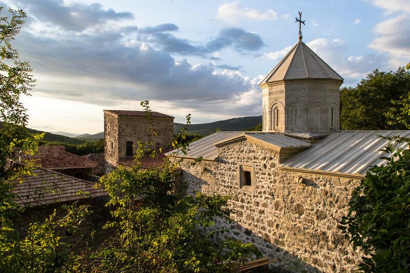 Вид сверху на монастырь Сурб-Хач