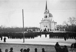 1919. Британские войска на параде в Омске