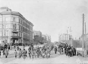 1918. 1/9-й батальон Гемпширского полка на улицах Владивостока по пути на станцию ??перед отъездом в Омск